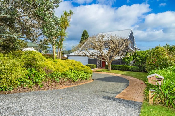 8 Hyde Road, Rothesay Bay, Auckland - NZL (photo 2)