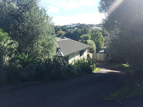 47 Jellicoe Parade, Surfdale, Auckland - NZL (photo 1)