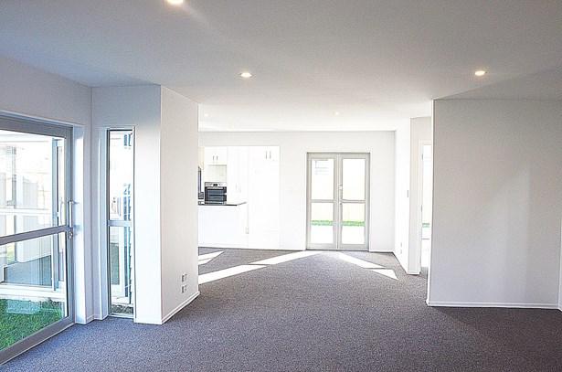 22 Bukem Place, Favona, Auckland - NZL (photo 2)