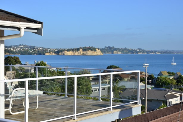 1/49 De Luen Avenue, Tindalls Beach, Auckland - NZL (photo 3)