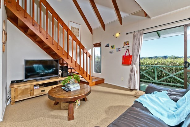 251 Sunset Road, Sunnynook, Auckland - NZL (photo 2)