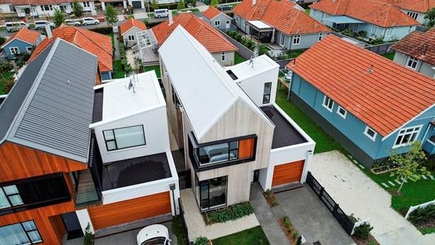 9 Cochrane Road, Hobsonville, Auckland - NZL (photo 2)
