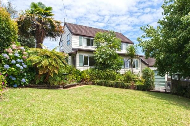 18a Argyle Road, Browns Bay, Auckland - NZL (photo 1)