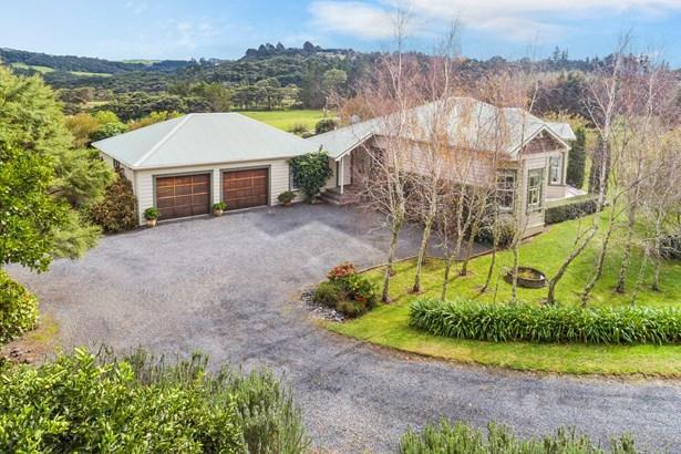 1251 Old North Road, Waimauku, Auckland - NZL (photo 2)