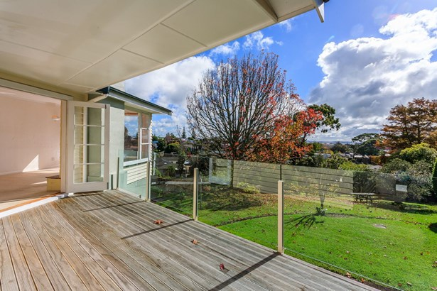 76 & 76a New Windsor Road, New Windsor, Auckland - NZL (photo 2)