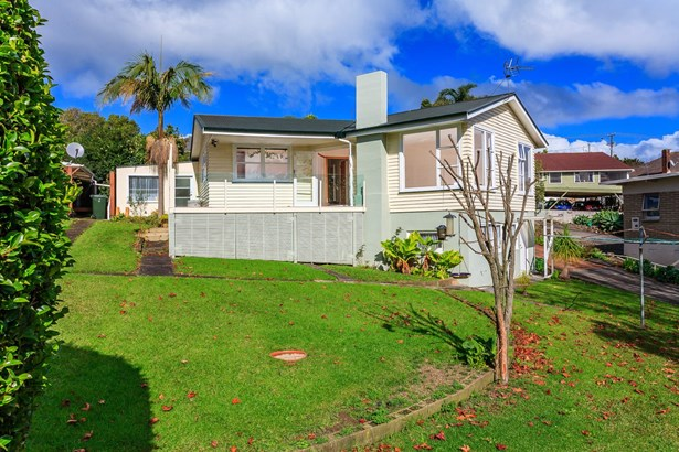 76 & 76a New Windsor Road, New Windsor, Auckland - NZL (photo 4)
