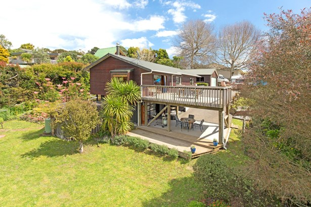 27 Dobell Road, Stanmore Bay, Auckland - NZL (photo 1)