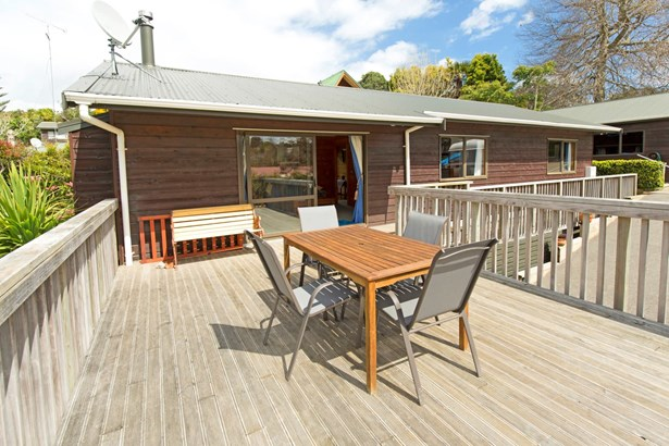 27 Dobell Road, Stanmore Bay, Auckland - NZL (photo 3)