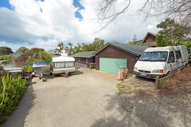 27 Dobell Road, Stanmore Bay, Auckland - NZL (photo 5)