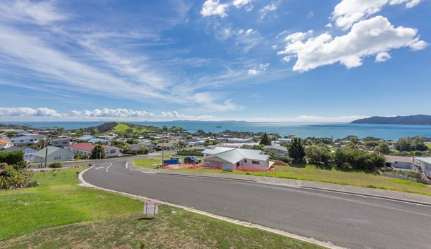 6 Christine Drive, Coopers Beach, Northland - NZL (photo 1)