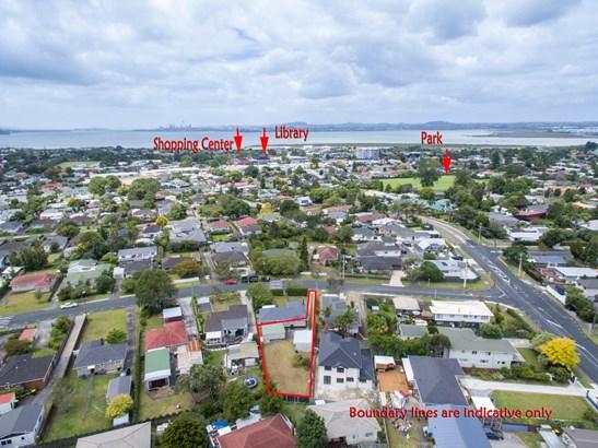 69a Neil Avenue, Te Atatu Peninsula, Auckland - NZL (photo 2)