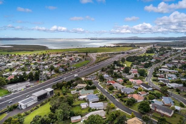 6 Milich Terrace, Te Atatu South, Auckland - NZL (photo 5)