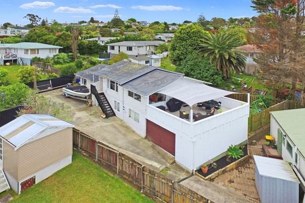 202 Archers Road, Glenfield, Auckland - NZL (photo 3)
