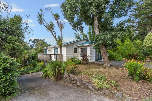 124 Candia Road, Henderson Valley, Auckland - NZL (photo 4)