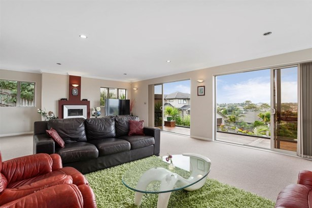 18 Hilton Close, Fairview Heights, Auckland - NZL (photo 3)