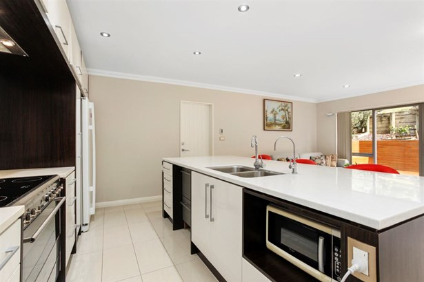 18 Hilton Close, Fairview Heights, Auckland - NZL (photo 4)
