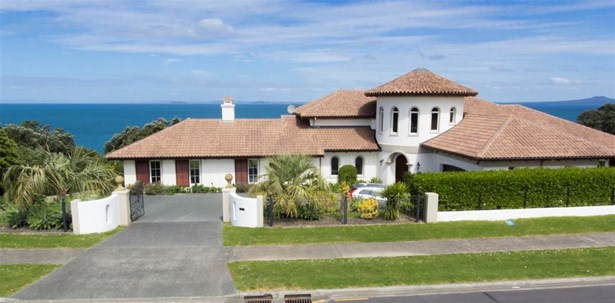 324 Pinecrest Drive, Gulf Harbour, Auckland - NZL (photo 2)