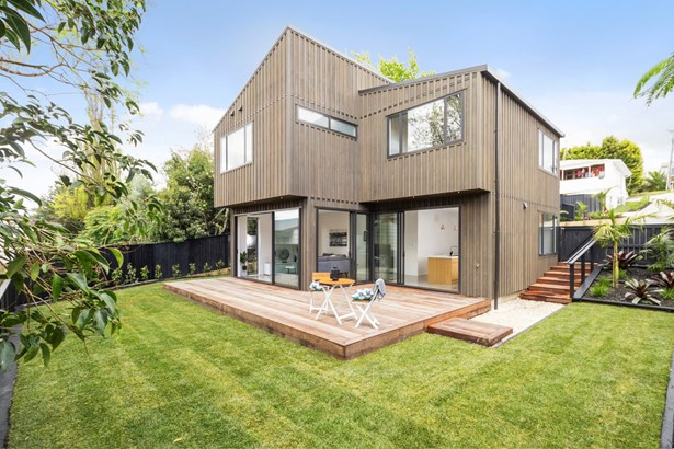70a Colwill Road, Massey, Auckland - NZL (photo 2)