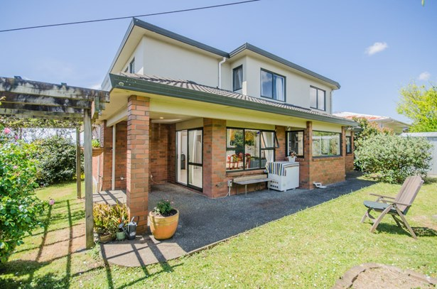 8 Mons Avenue, Mt Roskill, Auckland - NZL (photo 5)