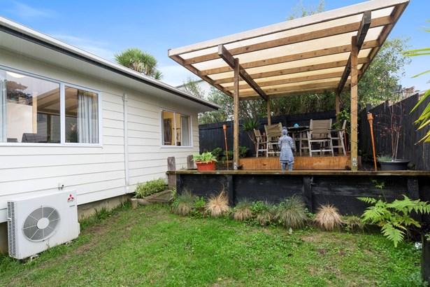 2/33 Pisces Road, Glen Eden, Auckland - NZL (photo 2)