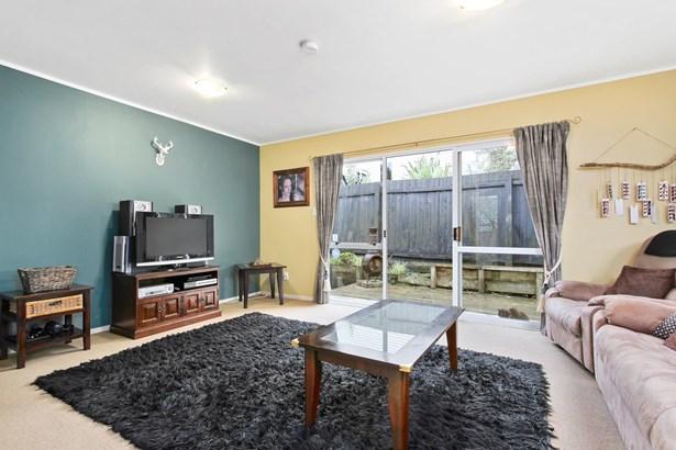 2/33 Pisces Road, Glen Eden, Auckland - NZL (photo 4)