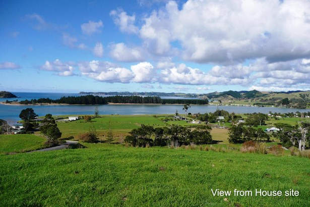 Whananaki North Road, Whananaki, Northland - NZL (photo 3)