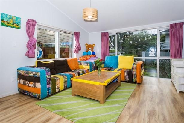 71 Ravenwood Drive, Forrest Hill, Auckland - NZL (photo 4)