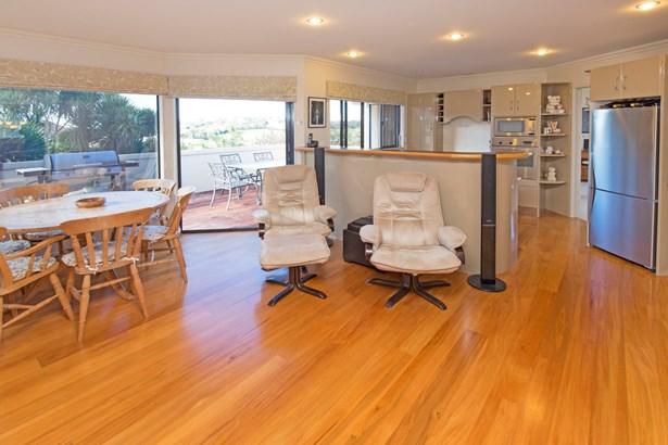 10 Burwood Terrace, Gulf Harbour, Auckland - NZL (photo 2)