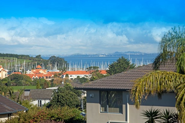 10 Burwood Terrace, Gulf Harbour, Auckland - NZL (photo 3)