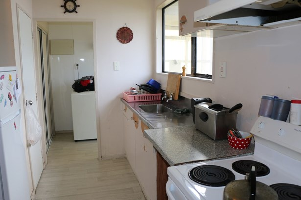 67b Redcrest Avenue, Red Hill, Auckland - NZL (photo 5)