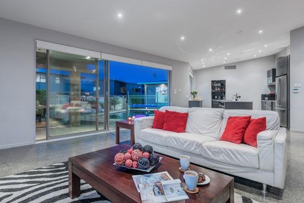 21 Columbia Crescent, Beachlands, Auckland - NZL (photo 4)