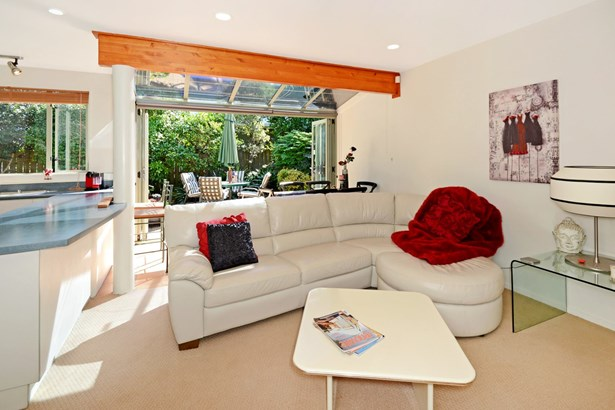 7a Braemar Road, Castor Bay, Auckland - NZL (photo 4)