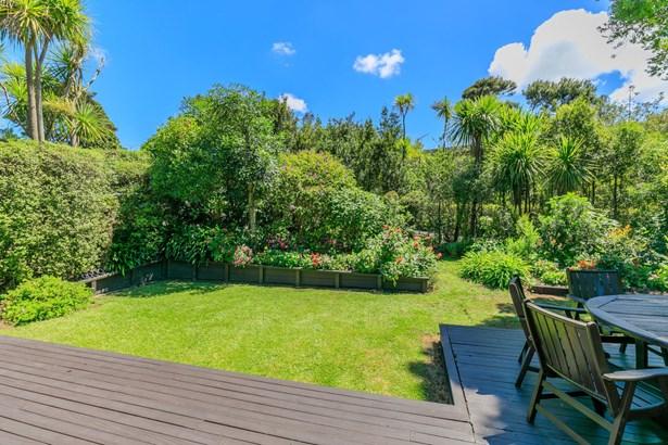 8 Raymond Terrace, Northcote, Auckland - NZL (photo 5)