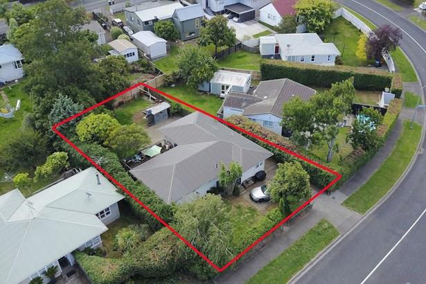 7 Farringdon Street, Glen Innes, Auckland - NZL (photo 1)