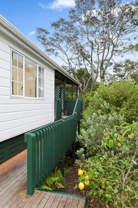 32a Fairmount Road, Titirangi, Auckland - NZL (photo 5)
