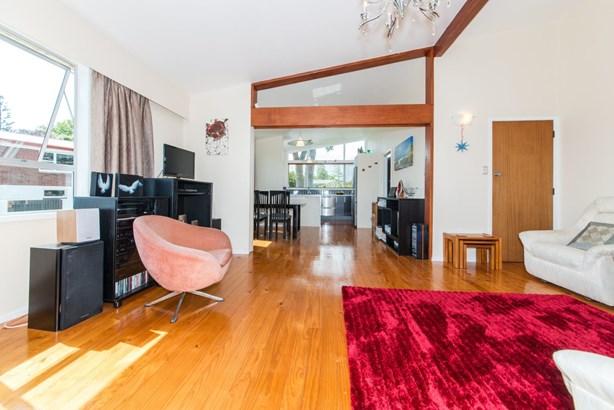 32 Renata Crescent, Te Atatu Peninsula, Auckland - NZL (photo 1)