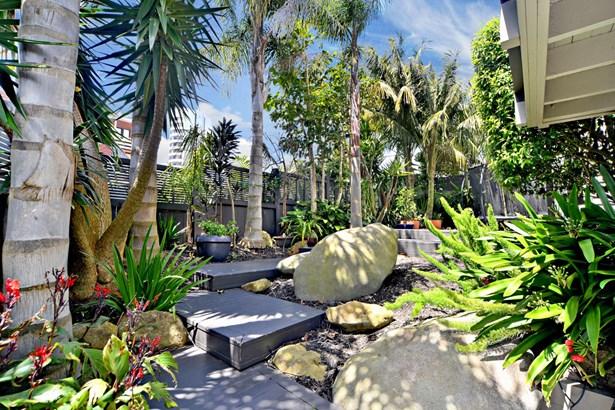 1/4 Curran Street, Herne Bay, Auckland - NZL (photo 4)