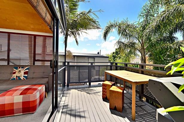 1/4 Curran Street, Herne Bay, Auckland - NZL (photo 5)