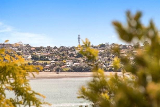 37a Devon Road, Bucklands Beach, Auckland - NZL (photo 4)