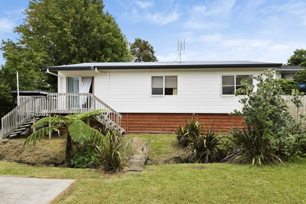 49a Vincent Street, Howick, Auckland - NZL (photo 2)