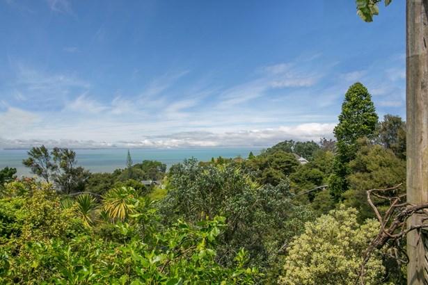 77 Tanekaha Road, Titirangi, Auckland - NZL (photo 2)