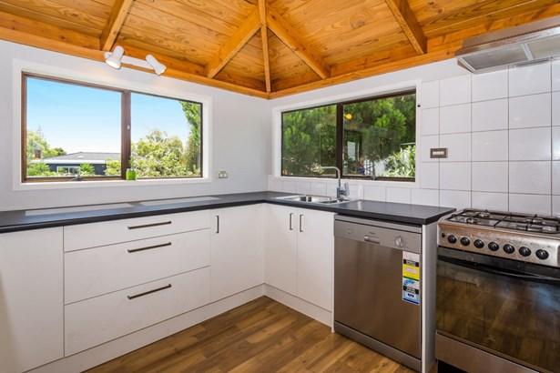 18a Drome View Place, Beach Haven, Auckland - NZL (photo 5)