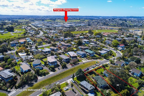 40 & 42 Cyclarama Crescent, Massey, Auckland - NZL (photo 1)