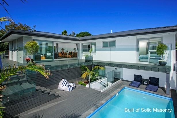 2/455 Beach Road, Murrays Bay, Auckland - NZL (photo 4)