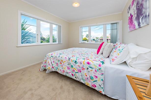 30 Royton Avenue, Mangere East, Auckland - NZL (photo 4)