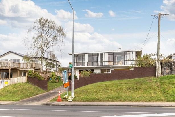 38 Makora Road, Massey, Auckland - NZL (photo 1)