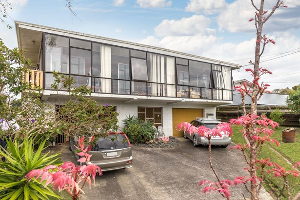 38 Makora Road, Massey, Auckland - NZL (photo 4)
