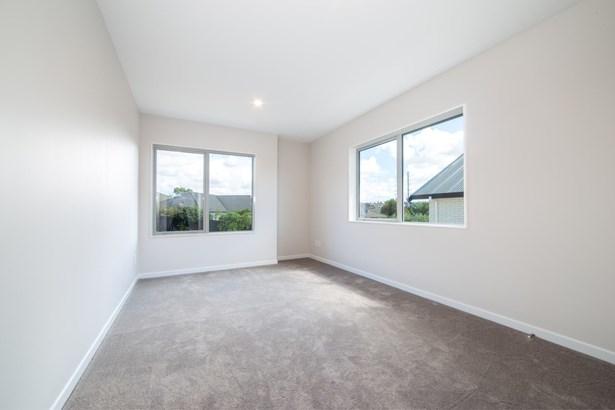 25a Westgate Drive, Westgate, Auckland - NZL (photo 2)