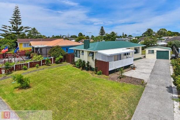 31 Hokianga Street, Mangere, Auckland - NZL (photo 2)