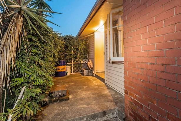 67 Line Road, Glen Innes, Auckland - NZL (photo 5)